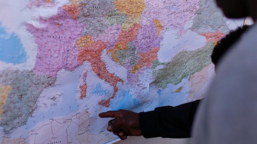Migránsokat szállító csónak süllyedt el a tunéziai partoknál