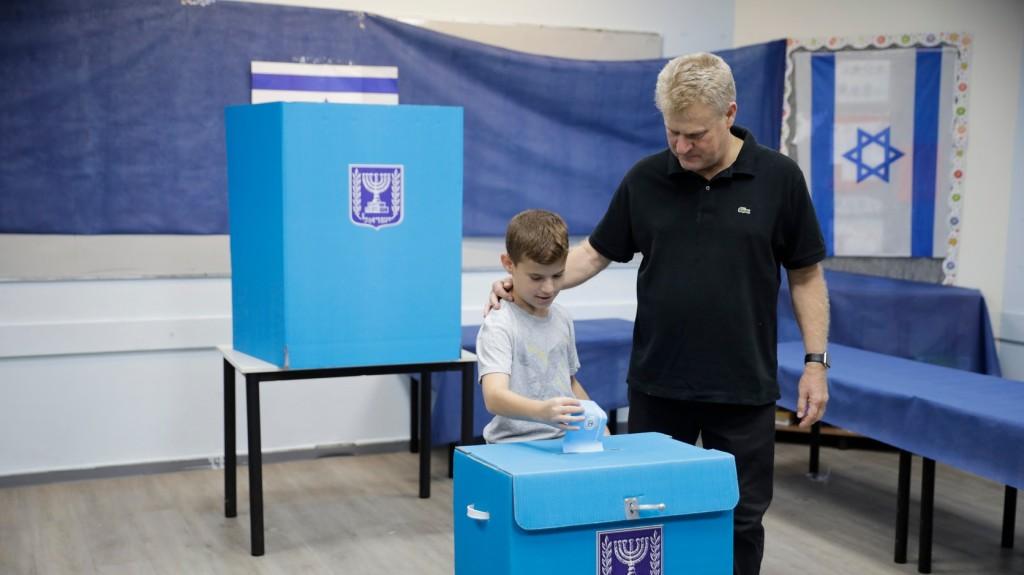Estig viszonylagos nyugalomban zajlottak az előrehozott választások Izraelben