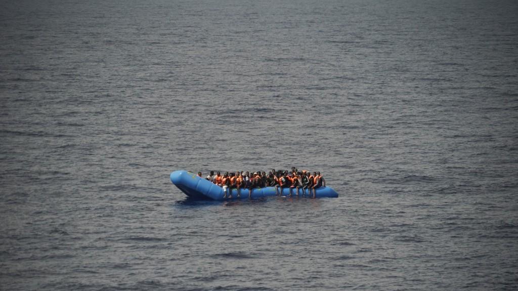 Interpol: Terroristák is átkelhetnek a Földközi-tengeren