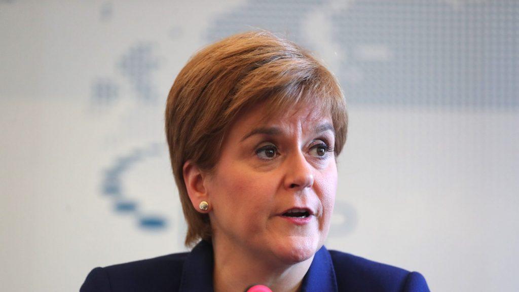 """Skót miniszterelnök: """"Tárt karokkal várnák"""" a független Skóciát az unióban"""