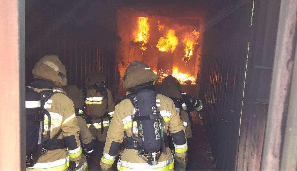 Közel 1000 fokban edzettek a fővárosi tűzoltók