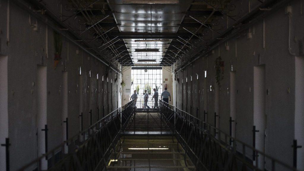 Öt év börtön is járhat fenyegető üzenetekért és videókért