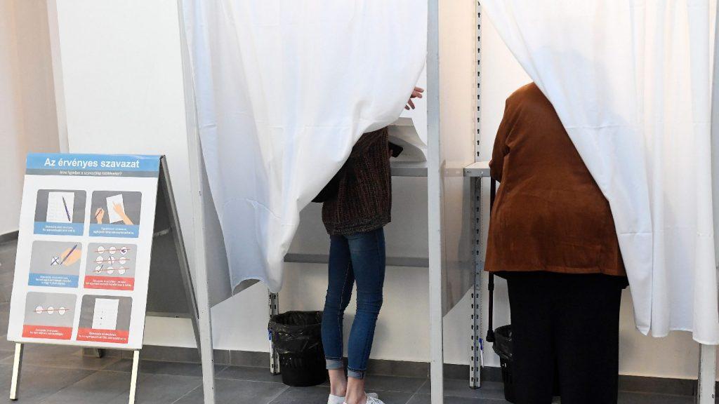 Többen is rosszul lettek szavazás közben
