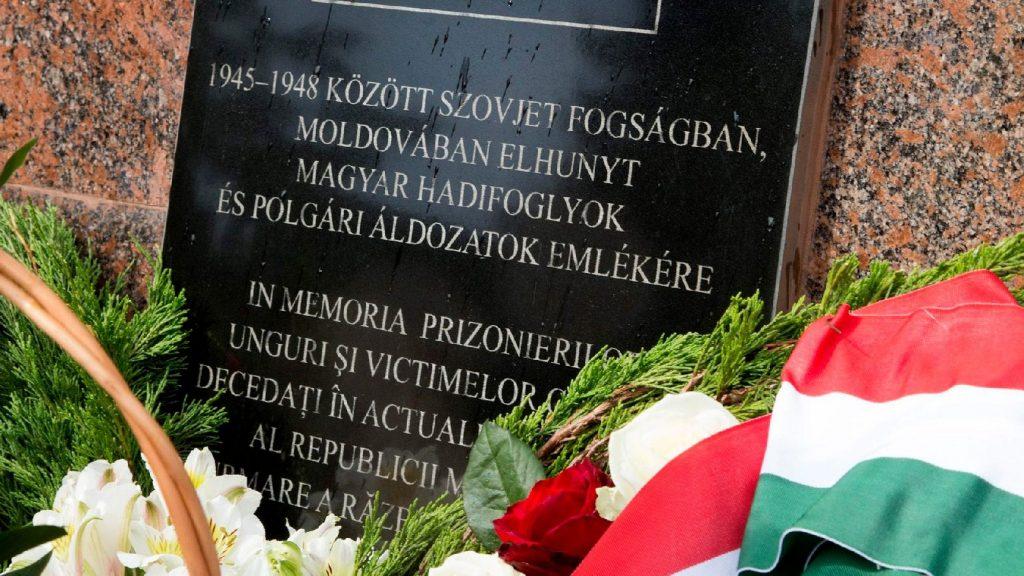 Szovjet fogolytáborokba hurcolt magyar katonák kartonjait kapja vissza Magyarország