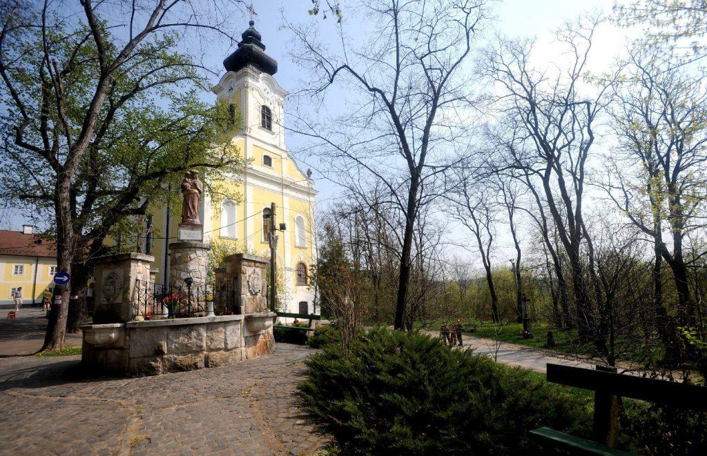 Meghatározó szerepet játszanak a templomok a magyar városok és falvak életében