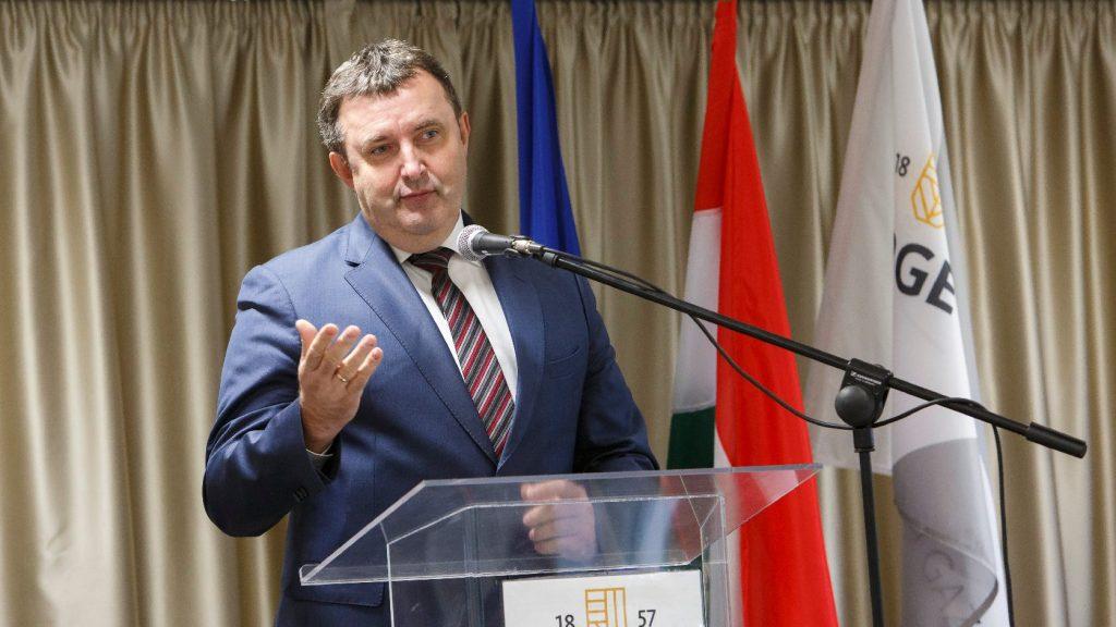 Palkovics: Vállalkozóbarát szabályozási és adózási környezetet alakítunk ki a magyar kkv-k számára