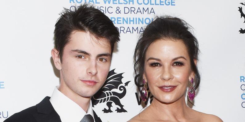 Catherine Zeta-Jones fia egyetemén okozott feltűnést