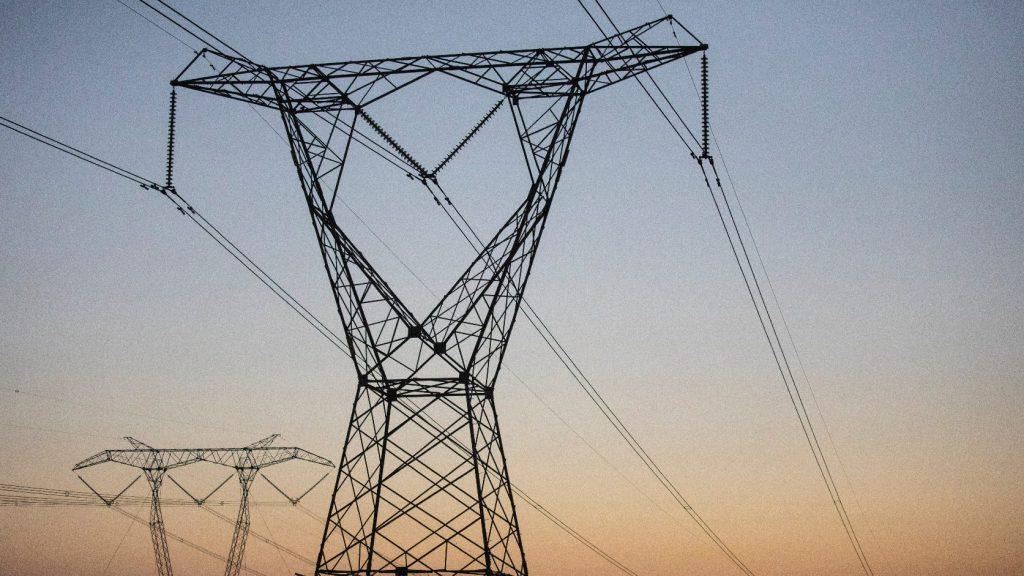 Több helyen okozott áramkimaradást a télies időjárás