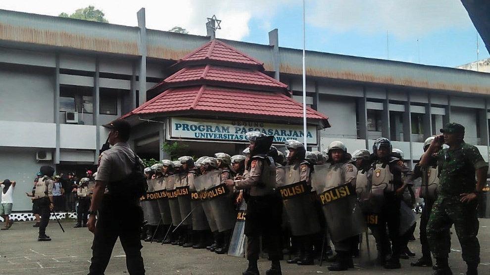 Őrizetbe vettek több mint húsz szélsőségest Indonéziában