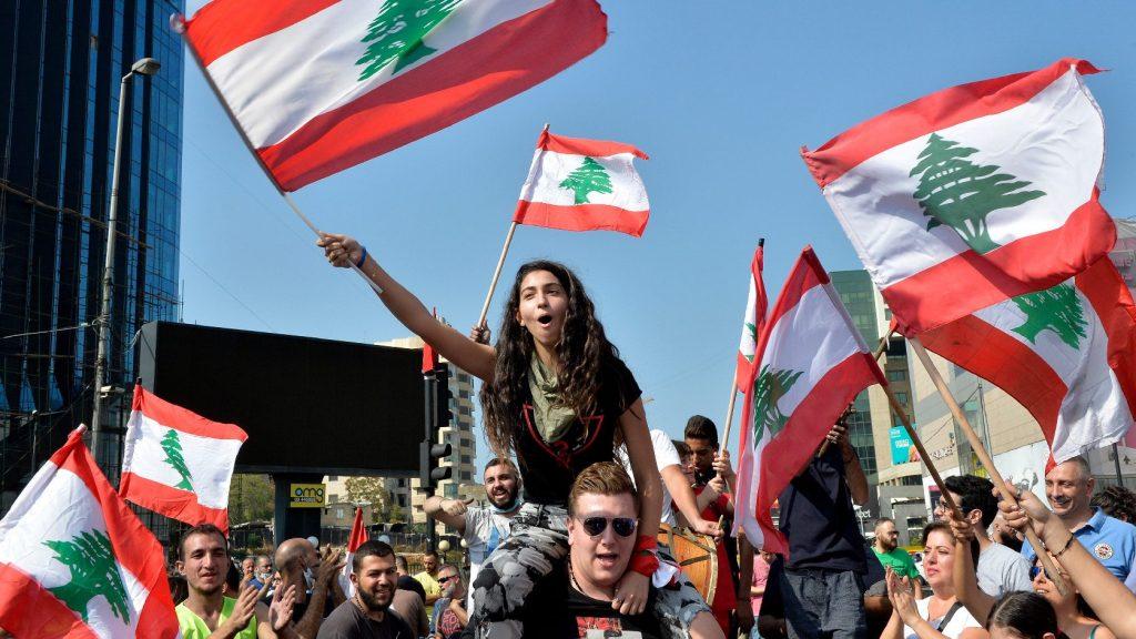 Folytatódtak a tüntetések Libanonban a kormány reformintézkedései ellenére