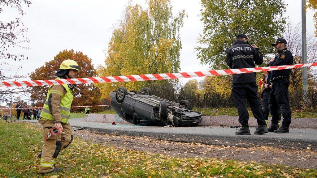 Köztörvényes bűnöző az a férfi, aki lopott mentőautóval gázolt Oslóban