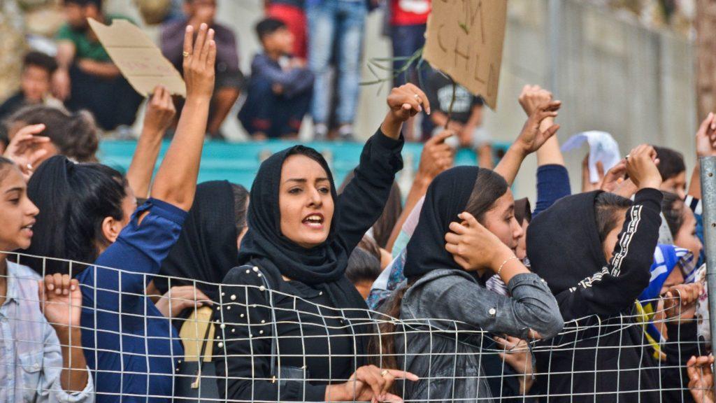 Megvonja a támogatást az illegális bevándorlóktól a bihácsi polgármester
