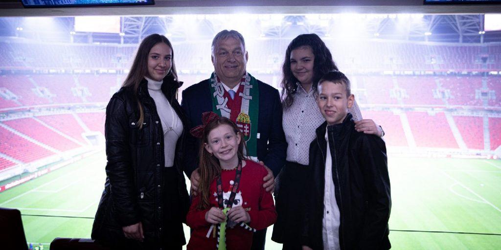 A dunaszerdahelyi fiatalokkal találkozott Orbán Viktor