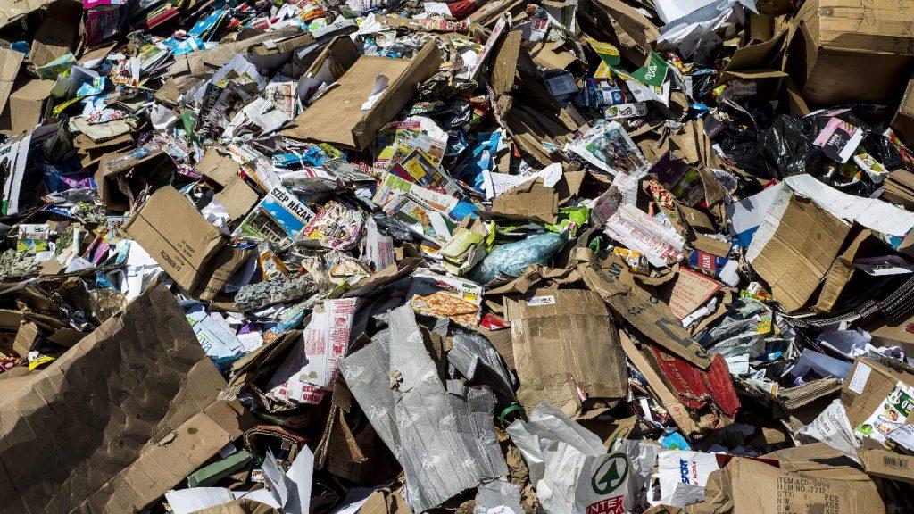"""""""Veszélyes hulladék"""": bizalmas adatok a szemétben"""