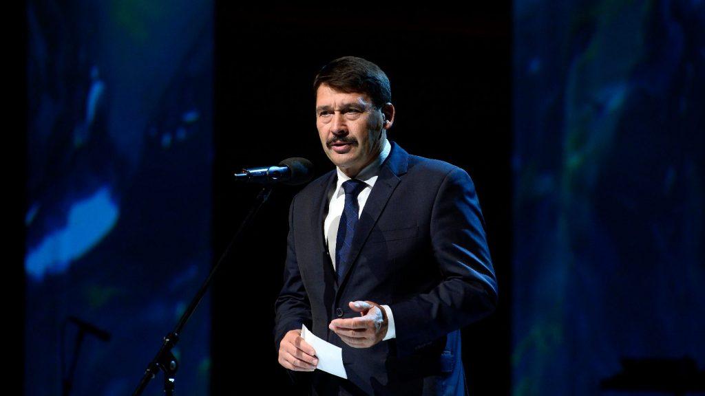Áder János részvéttáviratot küldött szlovák kollégájának a tragikus buszbaleset miatt