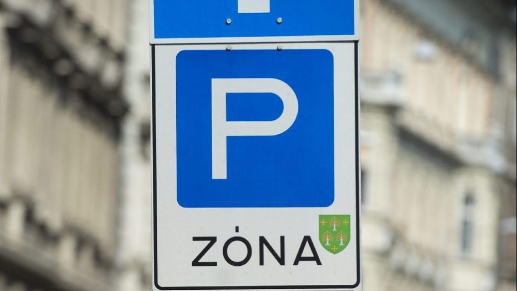 Négyszáz ingyenes belvárosi parkolóhely szűnik meg Szegeden