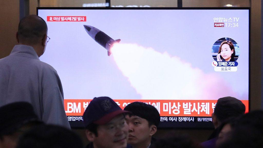 A koronavírus-krízis idején sem hagy fel a rakétakísérletekkel Phenjan