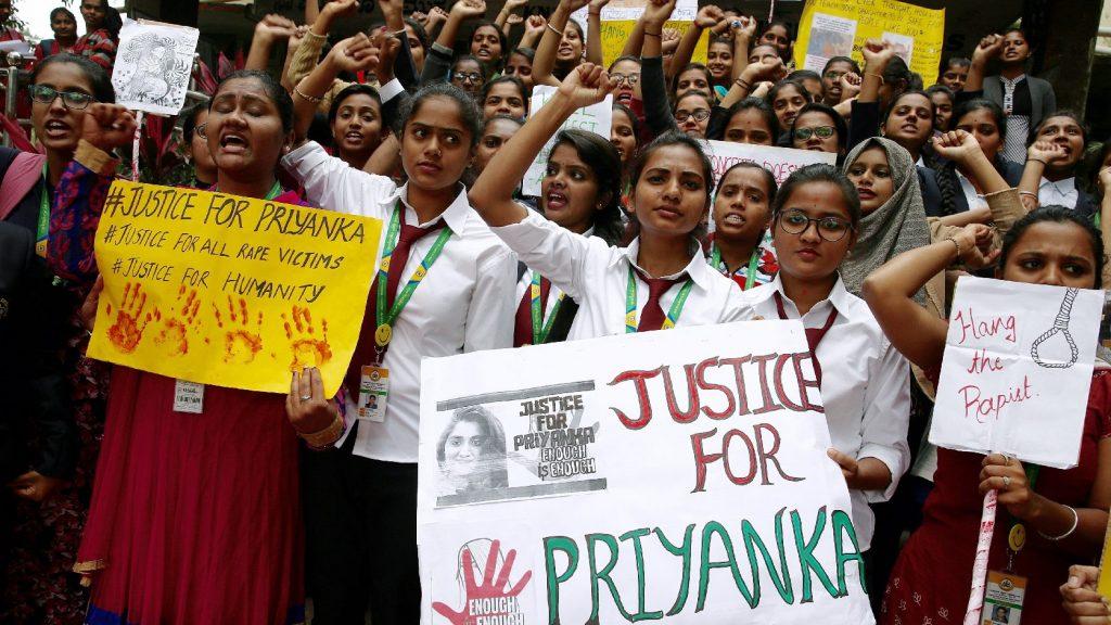 Halálra égett egy megerőszakolt indiai nő, akit támadói felgyújtották