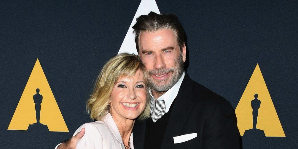 Négy évtized után Olivia Newton-John és John Travolta ismét a Grease-kosztümben feszített