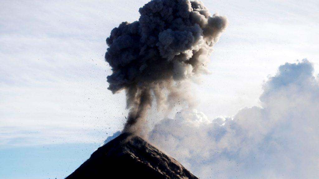 Kitört Új-Zélandon a fehér-szigeti vulkán