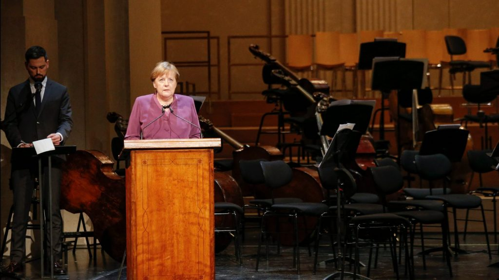 Merkel: Szembe kell szállni az intoleranciával és a gyűlölettel