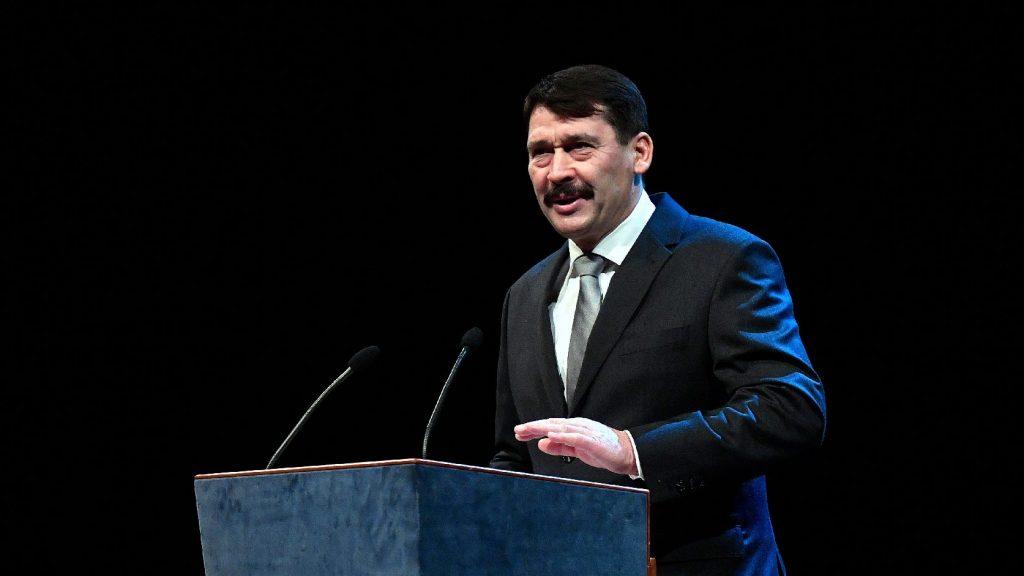 Áder János részt vesz a holokauszt-világfórumon Izraelben