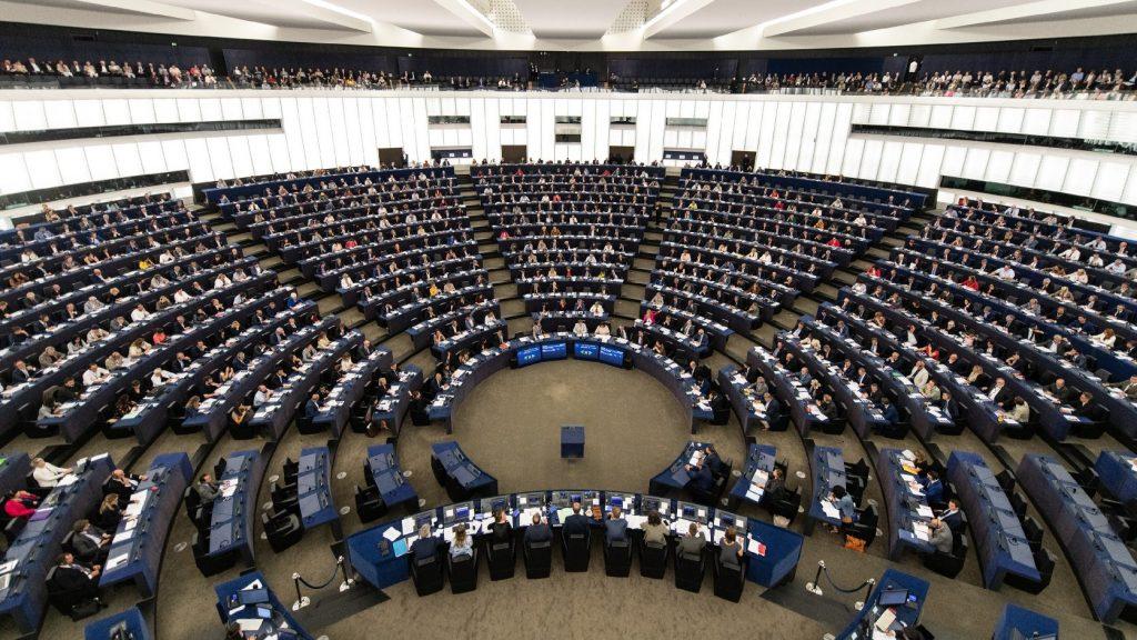 Jogállamiság-vita, megosztott tagállamok: rendkívüli EU-csúcs Brüsszelben