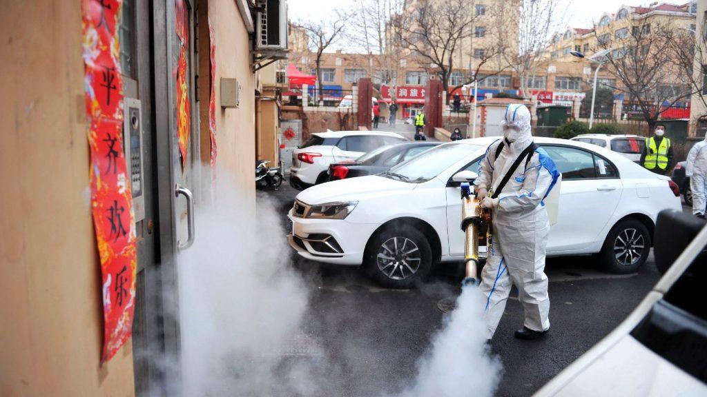 132 halottja és közel hatezer fertőzöttje van Kínában a ragálynak