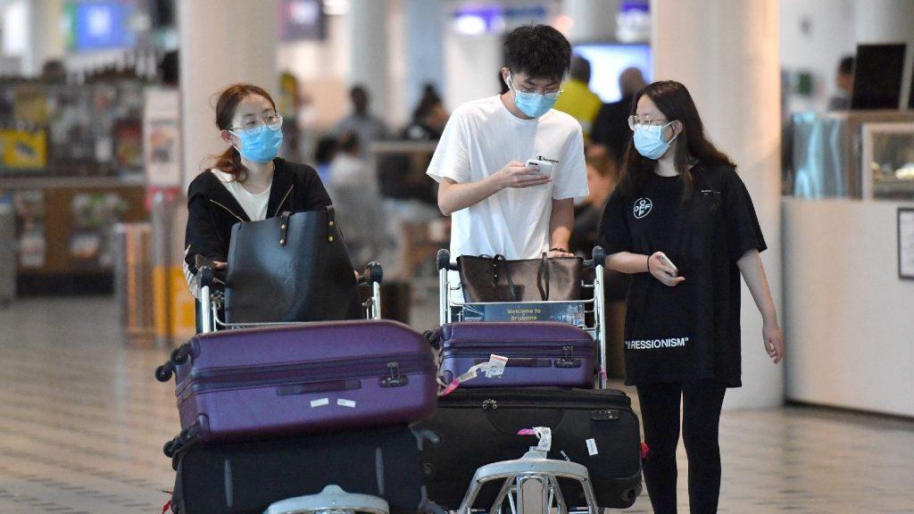 Egyes országokból kitiltanák a kínai turistákat