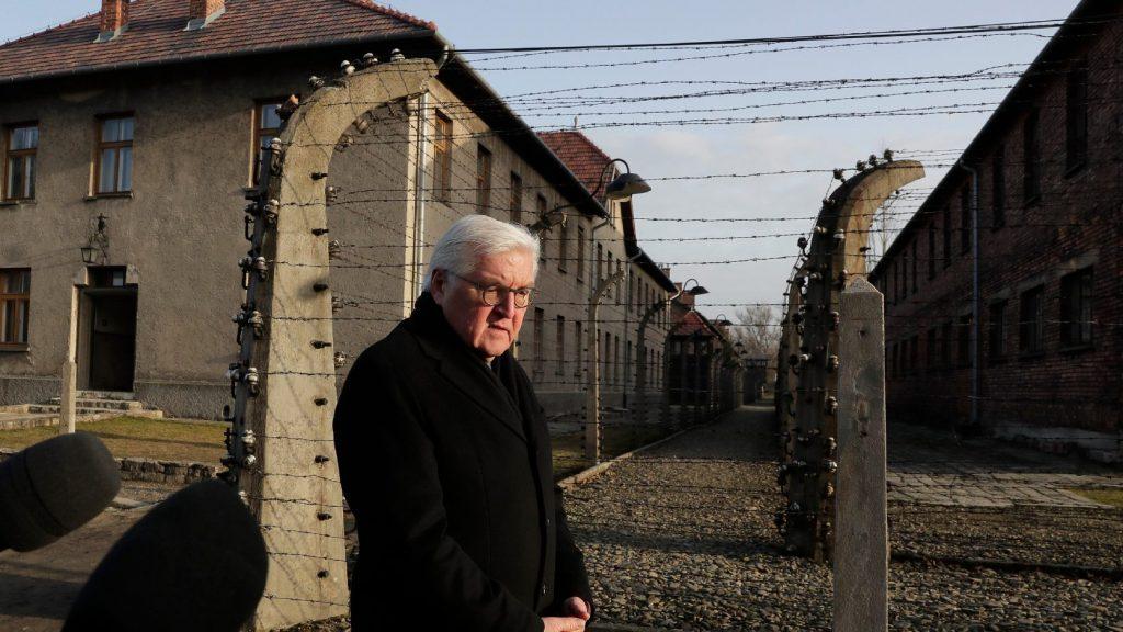 Visszatértek a múlt gonosz szellemei a német államfő szerint