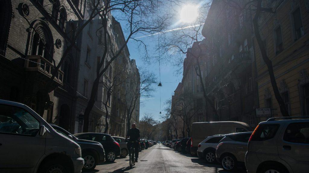 Napfény árasztja el kedden az országot, csapadék nem várható