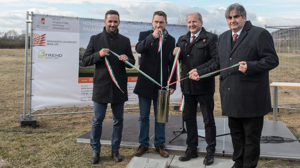 Lerakták az első honvédelmi sportközpont alapkövét