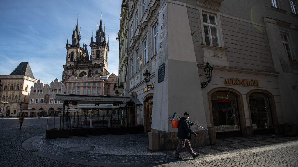 Lazítja a szigorításokat a cseh kormány