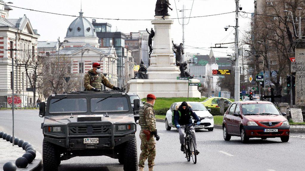 Büntetik a kijárási tilalmat megszegőket Romániában
