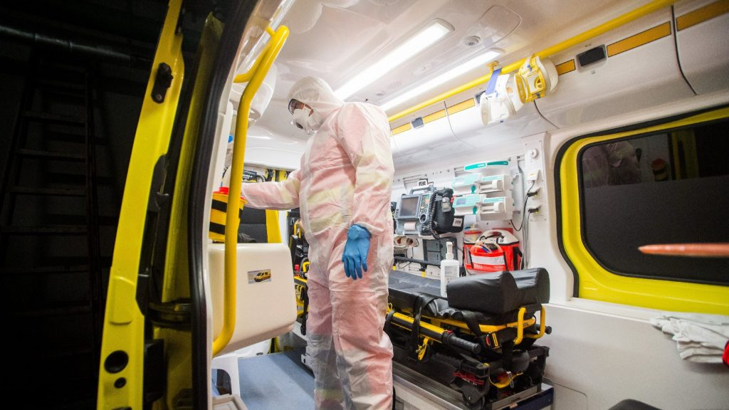 Új fővárosi mentesítő pontról indulnak a mentősök a koronavírus-gyanús esetek kivizsgálására