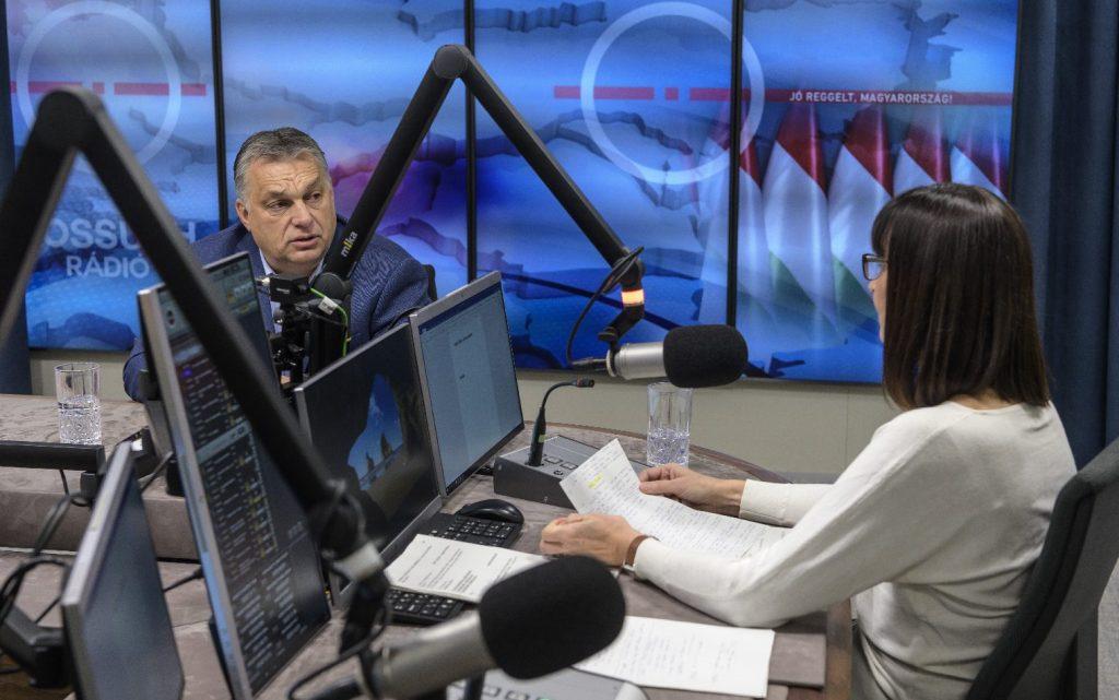 Orbán Viktor: Marad a kijárási korlátozás