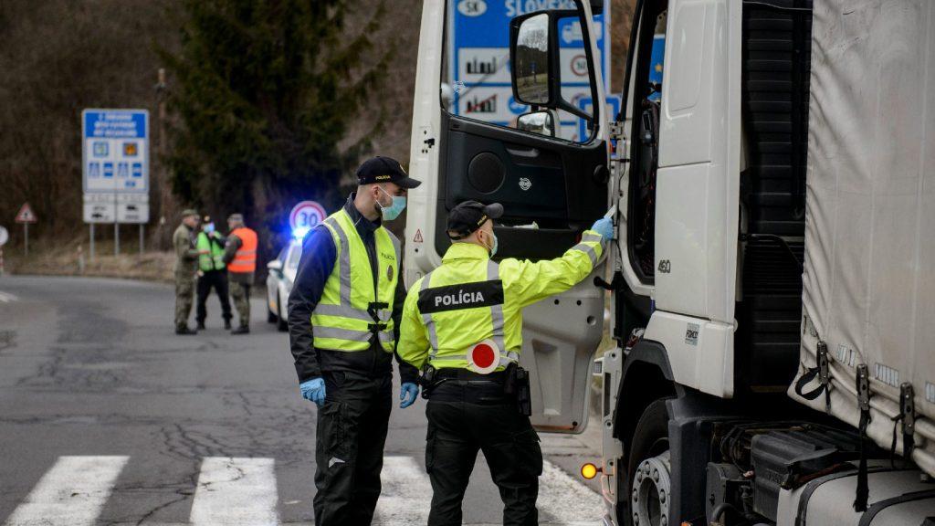 Megnyitotta határait a kamionforgalom előtt Szlovákia