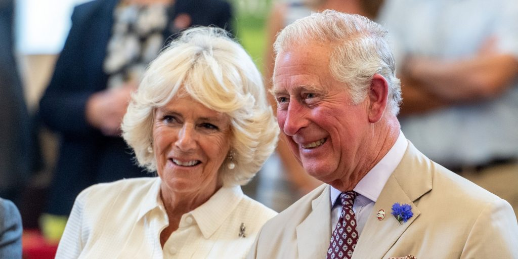 A karantén után újra együtt: ezzel a fotóval ünnepli házassági évfordulóját Károly herceg és Kamilla hercegné