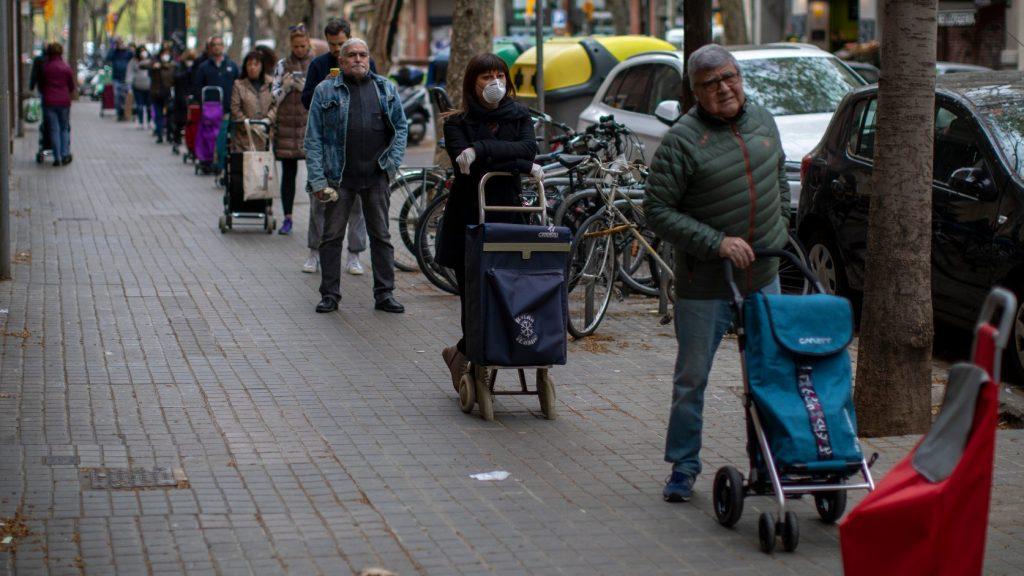 Sánchez: A nem létfontosságú ágazatok leállnak két hétre