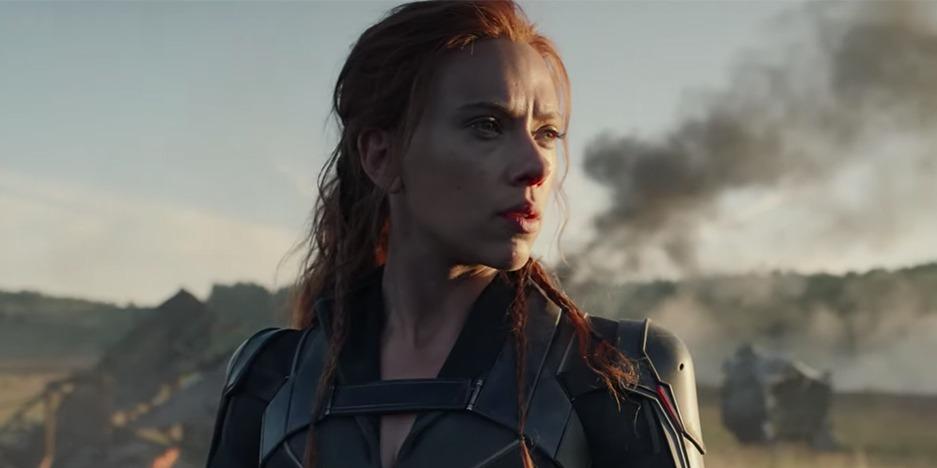 Novemberben ismét megnézhetjük Scarlett Johanssont, hogyan domborít Fekete Özvegyként