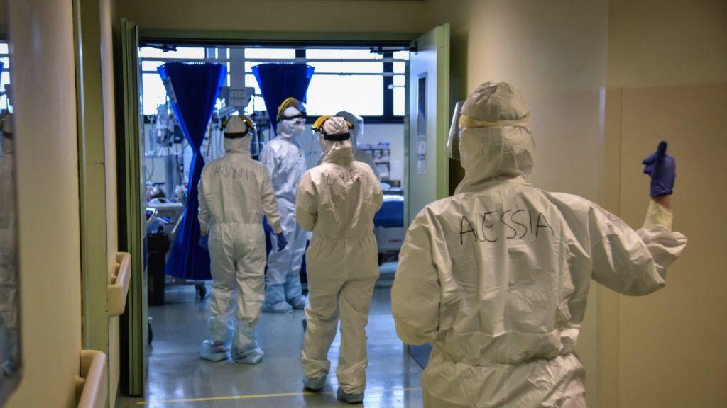 Olaszországban újból emelkedett az új megbetegedések és a halálesetek száma