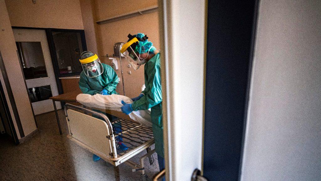 744 főre nőtt a beazonosított fertőzöttek száma és elhunyt 4 beteg