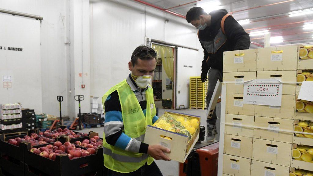 Naponta több száz adomány vagy ajándék jut el az egészségügyi dolgozókhoz