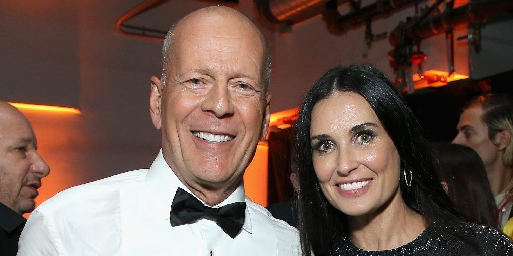 Összehozta a karantén Demi Moore-t és Bruce Willist - egyforma pizsamában pózoltak