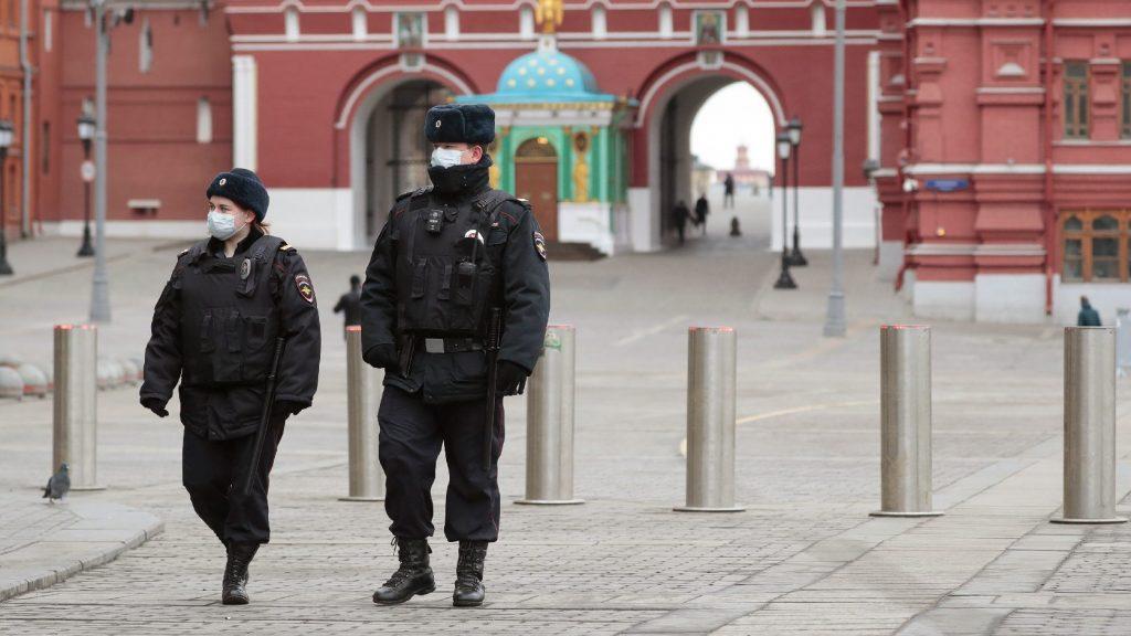 Leállítja az orosz állampolgárokat hazaszállító légi járatokat Moszkva