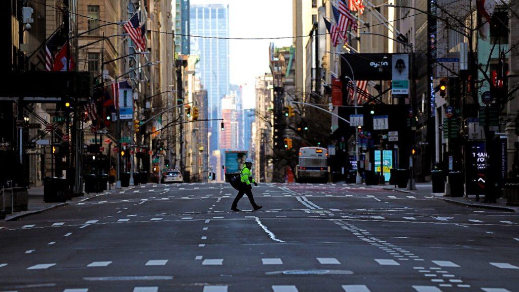 Kína ezer lélegeztetőgépet adományoz New York államnak
