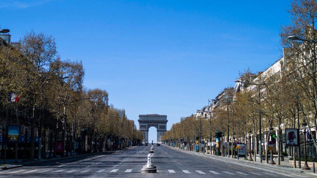 Franciaországban 7500 fölé emelkedett a halottak száma