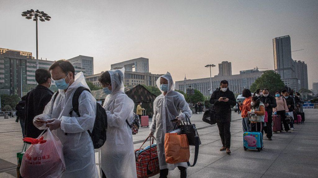 Több mint két hónap után feloldották a vesztegzárat Vuhanban