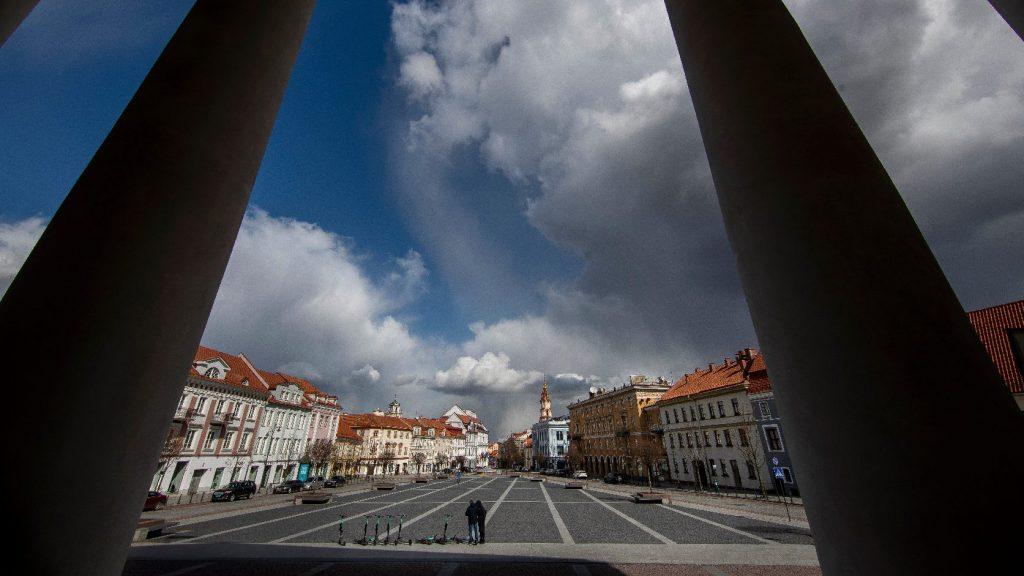 Útakadályokat létesítenek az utazási tilalom kikényszerítésére Litvániában
