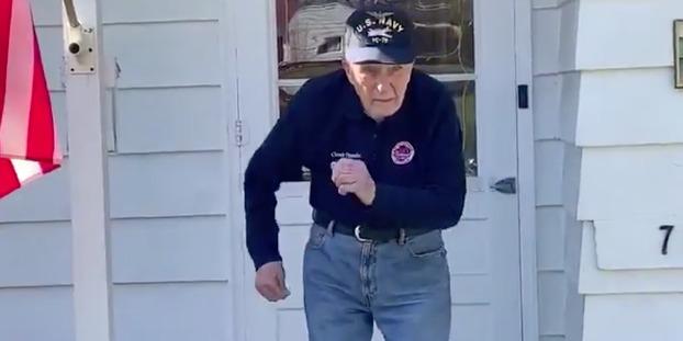 Justin Timberlake napját is bearanyozta a slágerére táncoló 97 éves veterán bácsi - VIDEÓ